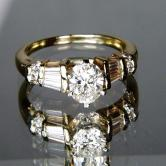 Ladies I8 KT Diamond  Ring 1.04 ct Center 1.54 ct tw GLI